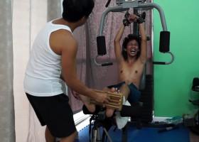Idol's Ticklish Workout