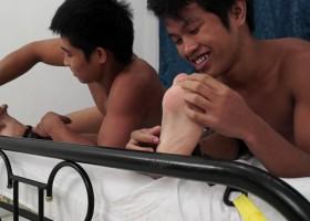 Warren Tickled By Two Str8 Boys