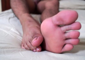 Cocos Chinese Feet