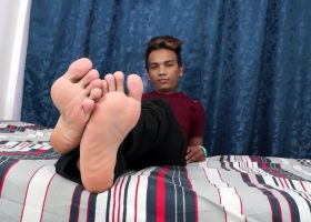 Derick's Feet Solo